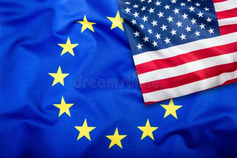 Flaga usa i Europejski zjednoczenie Flaga Amerykańska i UE flaga Flaga inside gwiazdy Światu chorągwiany pojęcie obrazy royalty free