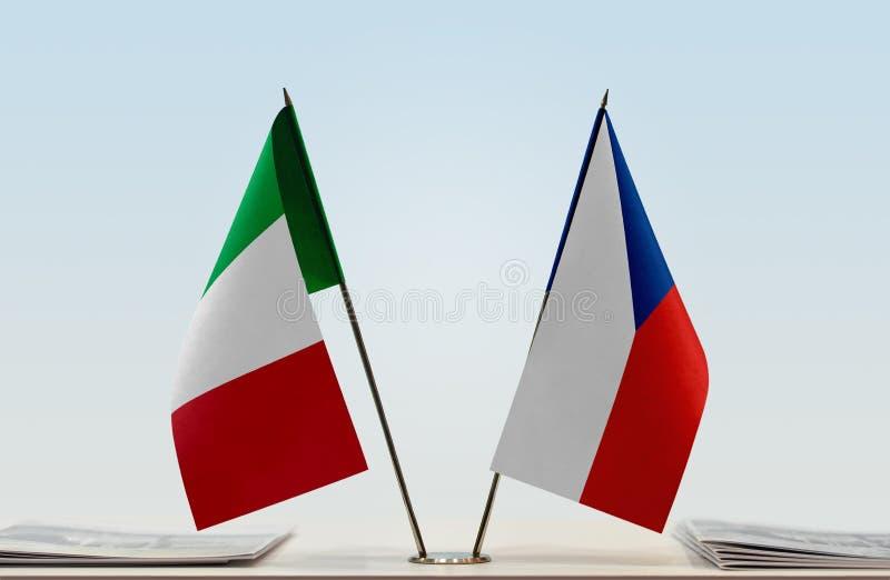 Flaga Włochy i republika czech zdjęcia stock