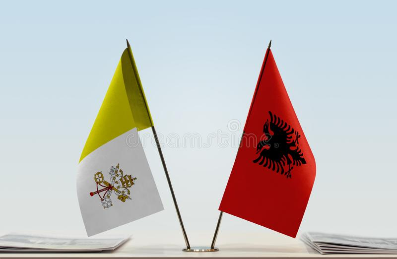 Flaga watykan i Albania obrazy stock