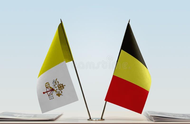 Flaga watykan i Belgia zdjęcie royalty free
