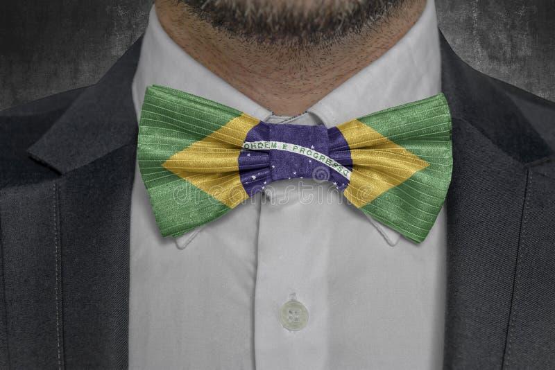 Flagga av Brasilien på för affärsman för bowtie elegant dräkt stock illustrationer