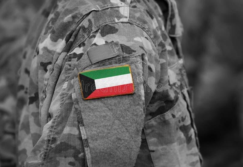 Flagga av Kuwait på soldatarmcollage royaltyfri bild