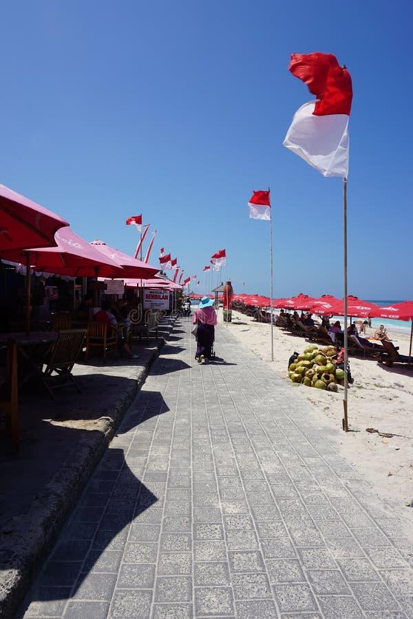 Flagga i stranden, Pandawa, Bali ö arkivbilder