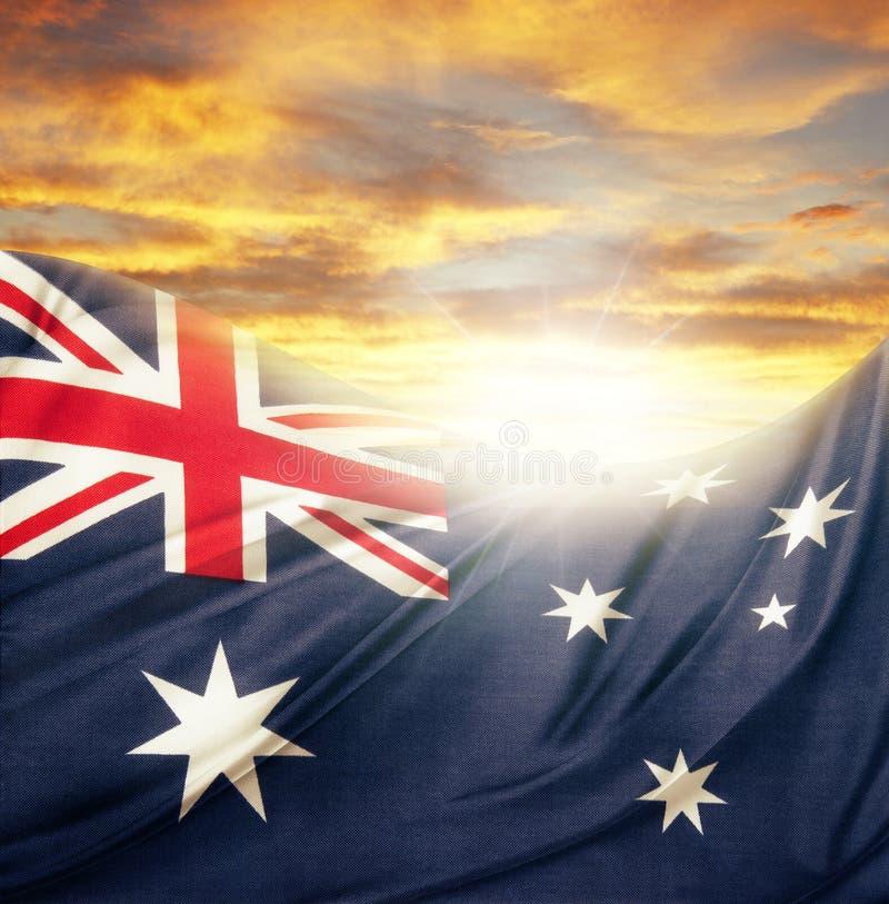 Flagga och himmel royaltyfria bilder