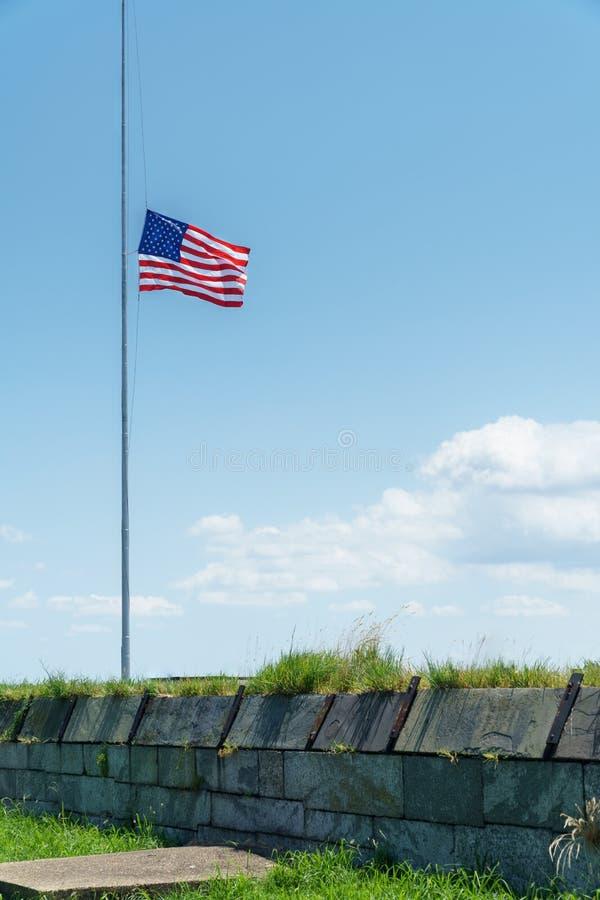 Flagga på Fort Monroe royaltyfri fotografi