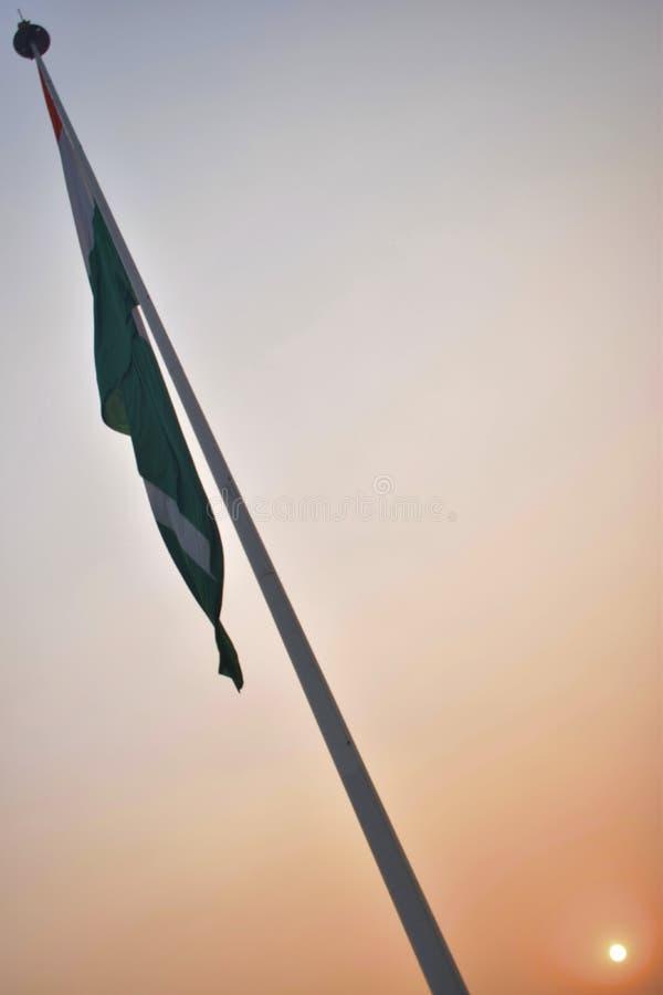 Flaggan av Indien i parkerar i mitten av den Delhi staden arkivfoton