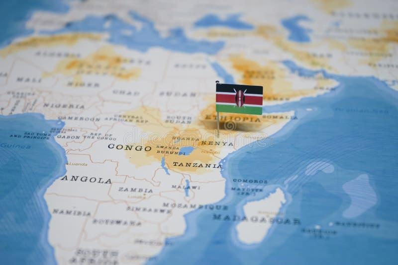 Flaggan av Kenya i världskartan fotografering för bildbyråer