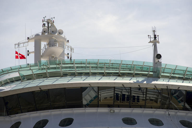 Flagge auf Schiff lizenzfreie stockbilder