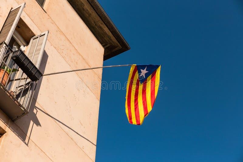 Flagge der Unabhängigkeitsbewegung von Katalonien, Girona, Spanien lizenzfreies stockfoto