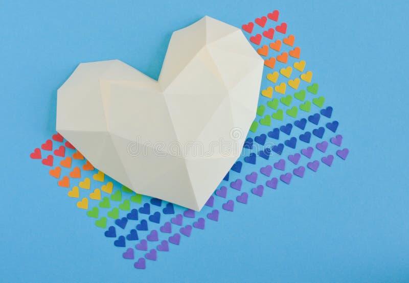 Flagge des homosexuellen Stolzes und des Herzens 3D stockfotos