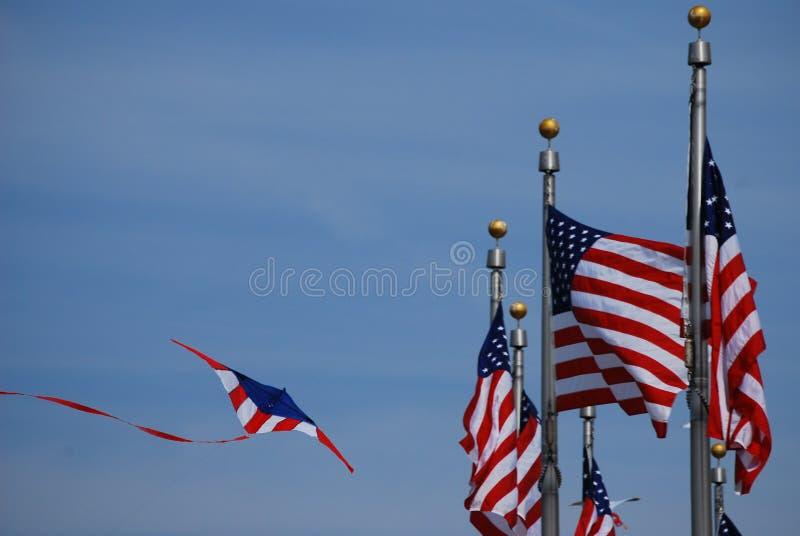 Flagge-Drachen; Smithsonian-Drachen-Festival 2008 stockfotografie