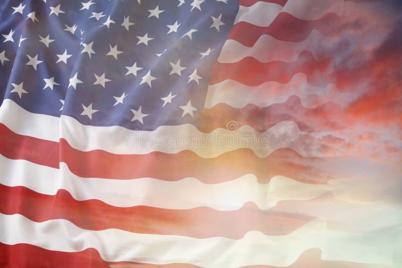 Flagge und Himmel stockfotos