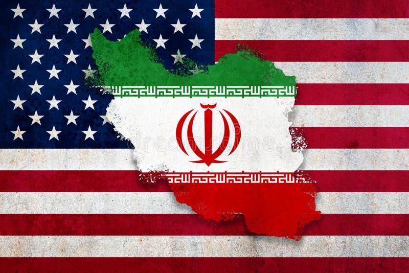 Flagge und Land des Iran überlagert die US-Flagge Mit einer verwitterten, texturierten Grafikdesign-Bearbeitung Diplomatisches Ko lizenzfreies stockbild