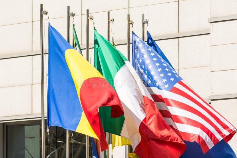 Flagge von Rumänien, von Italien und von Vereinigten Staaten lizenzfreie stockfotos
