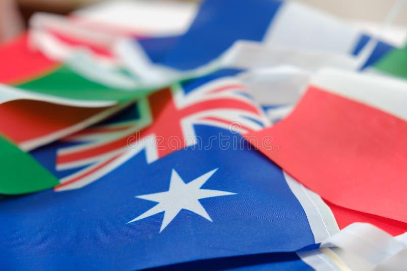 Flaggen aller Nationen der Welt stockfotos