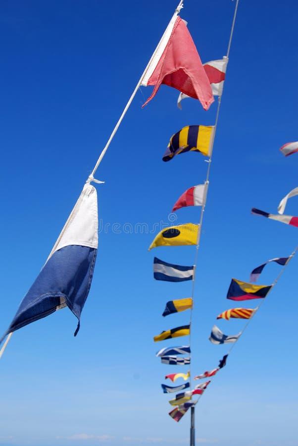 Flaggen an Bord stockbilder