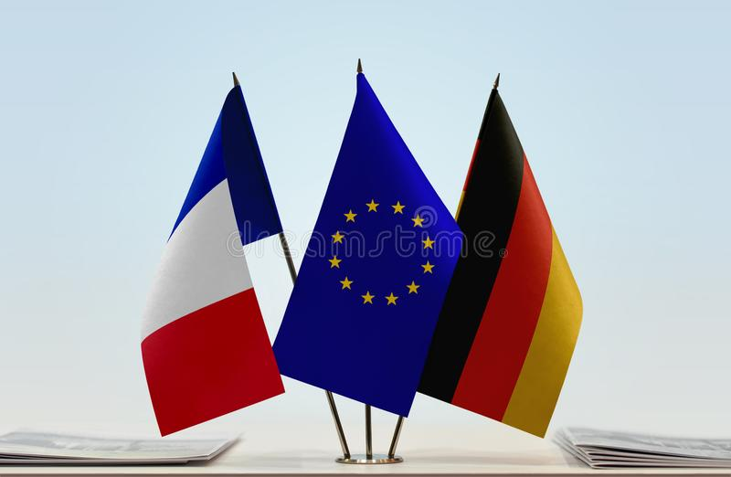 Flaggen von Frankreich-Europäischer Gemeinschaft und Deutschland stockfotografie