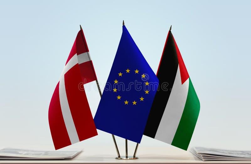 Flaggor av Danmark EU och Palestina arkivfoto