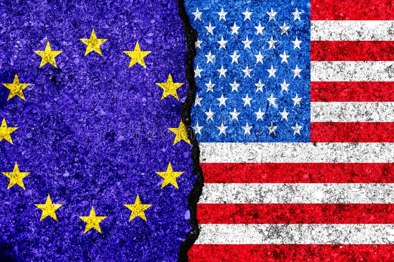 Flaggor av europeisk union och USA målade på sprucken väggbackgrou stock illustrationer