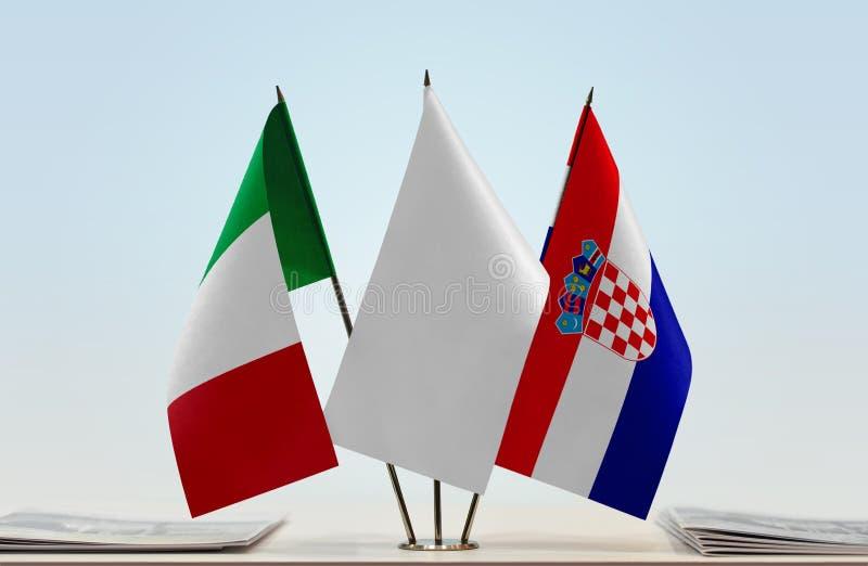 Flaggor av Italien och Kroatien royaltyfria foton