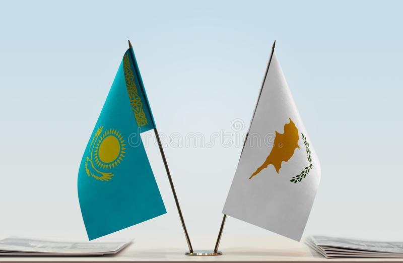Flaggor av Kasakhstan och Cypern royaltyfri bild