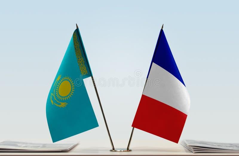 Flaggor av Kasakhstan och Frankrike royaltyfri bild