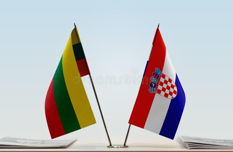 Flaggor av Litauen och Kroatien royaltyfri bild