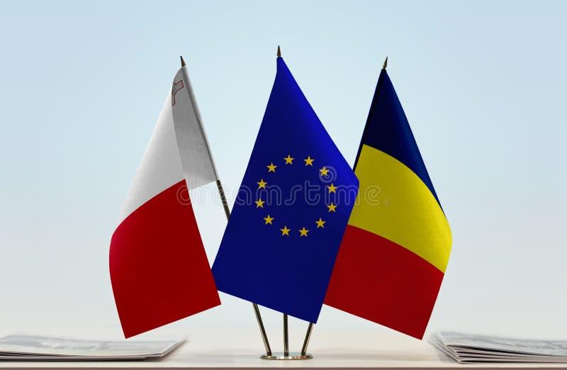 Flaggor av Malta EU och Tchad arkivfoto