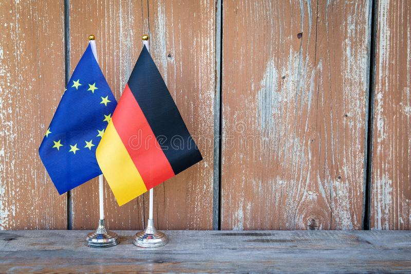 Flaggor av Tyskland och den europeiska unionen royaltyfria foton