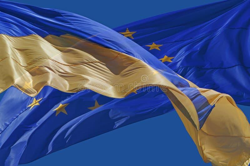 Flaggor av Ukraina och europeisk union royaltyfri bild