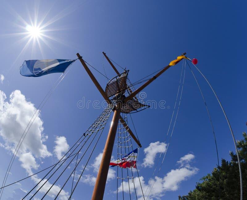 Flagpole kształtujący jak statku maszt zdjęcia royalty free