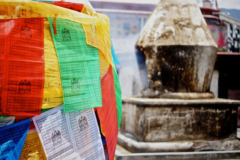 flags den tibetana bönen royaltyfri fotografi