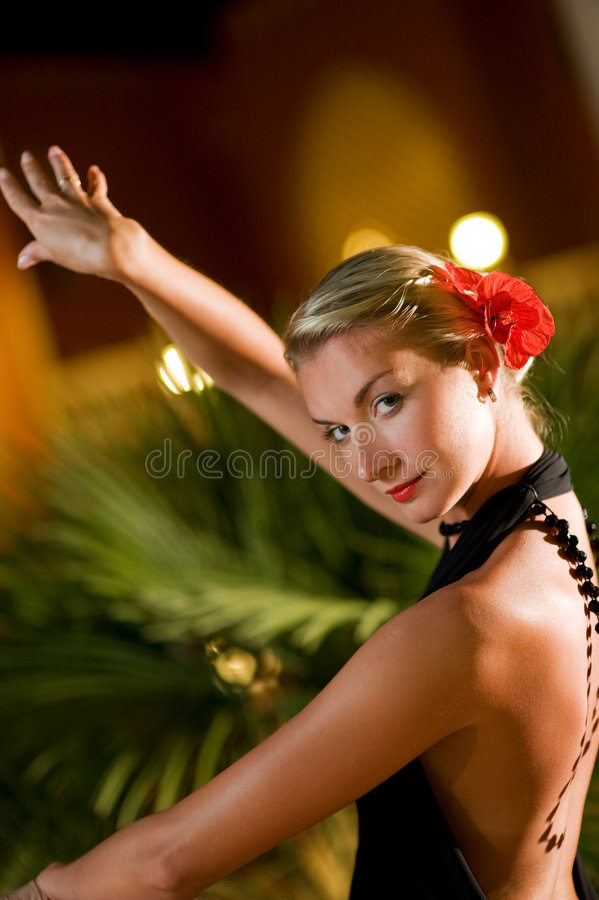 Flamenco de danse de femme photo stock