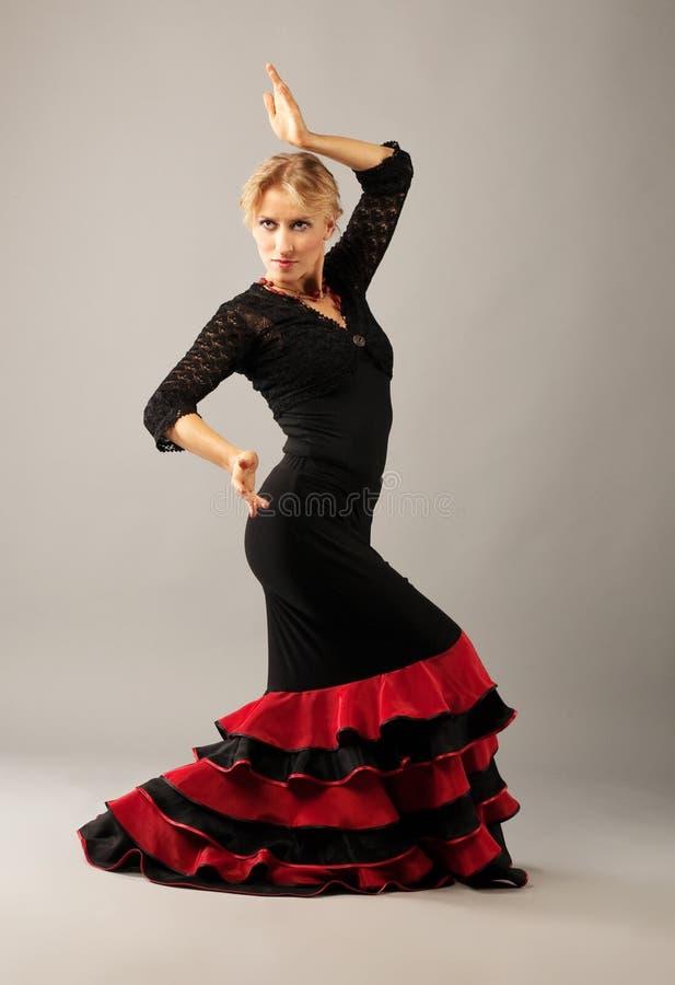 Flamenco de la danza de la mujer de la belleza foto de archivo libre de regalías