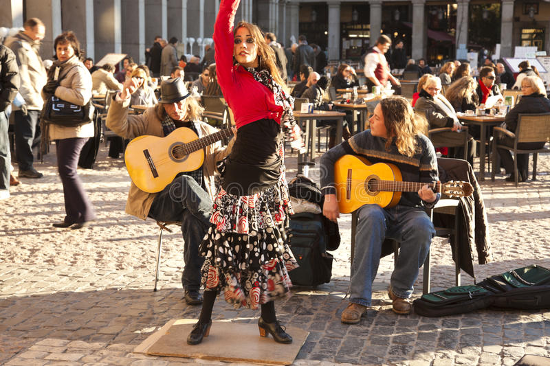 Download Flamenco Group Performing On Plaza Mayor Editorial Stock Photo - Image: 24963298