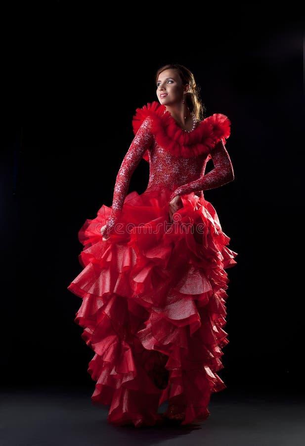 Flamencotänzer im roten Kleid lizenzfreie stockfotos