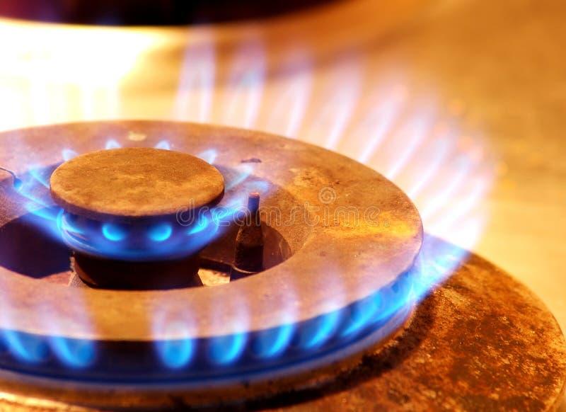 Flamme d'incendie de poêle de gaz photo stock