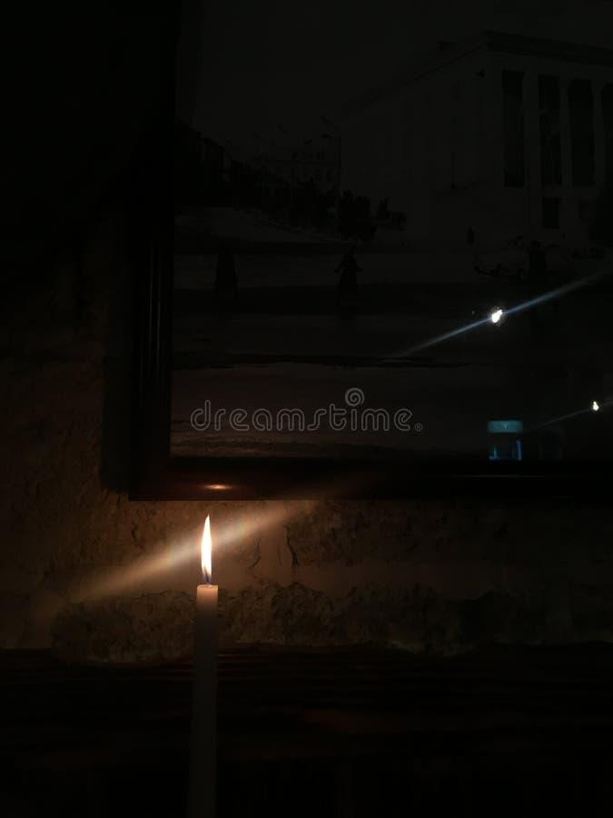 Flamme d'une bougie Bougies légères roman photos libres de droits