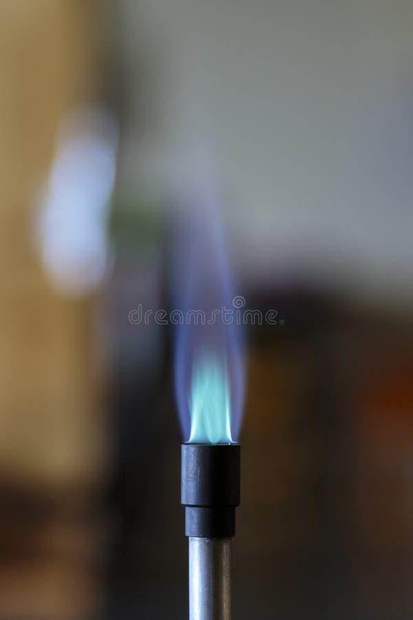 Flamme de bec Bunsen photographie stock libre de droits