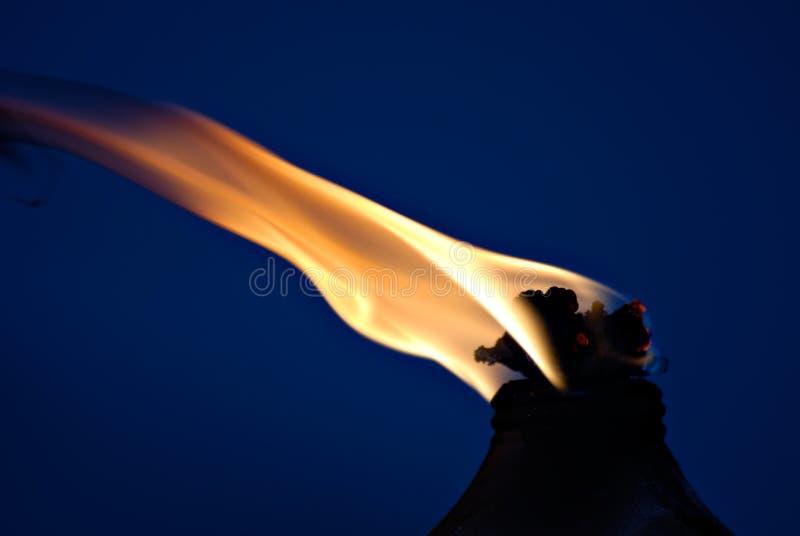 Flamme de Tiki photographie stock