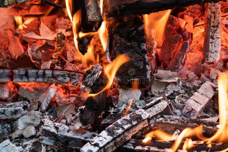 Flamme von der Müllverbrennung stockbilder