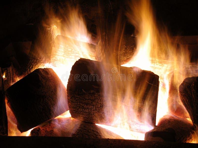 Flammendes Feiertags-Feuer lizenzfreie stockbilder