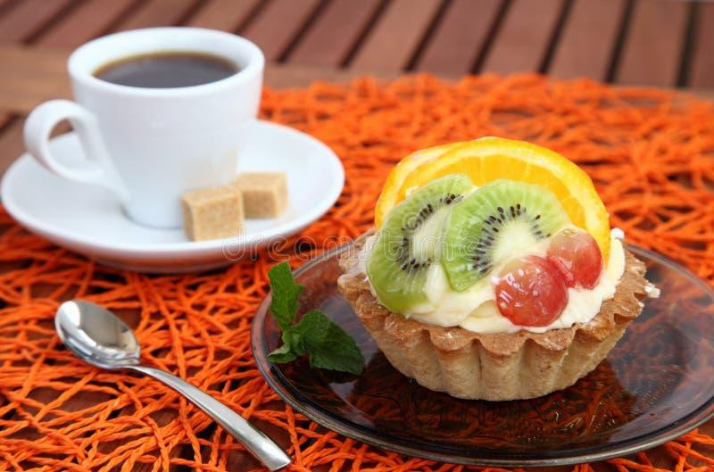 Flan et café savoureux photos stock