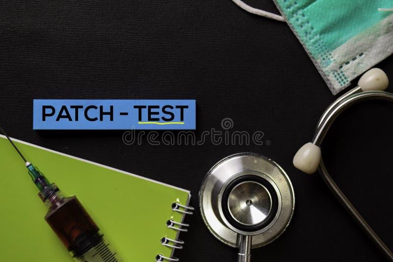 Flard - Test aangaande hoogste menings zwarte lijst met bloedmonster en Gezondheidszorg/medisch concept stock foto's
