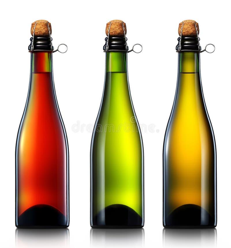 Flasche Bier, Apfelwein oder Champagner lokalisiert stockfotos