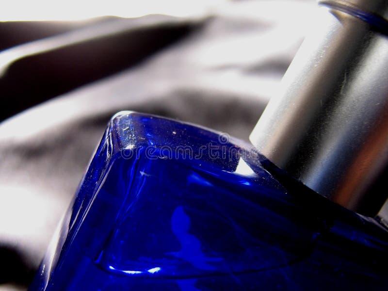 Flasche im Blau lizenzfreie stockfotos