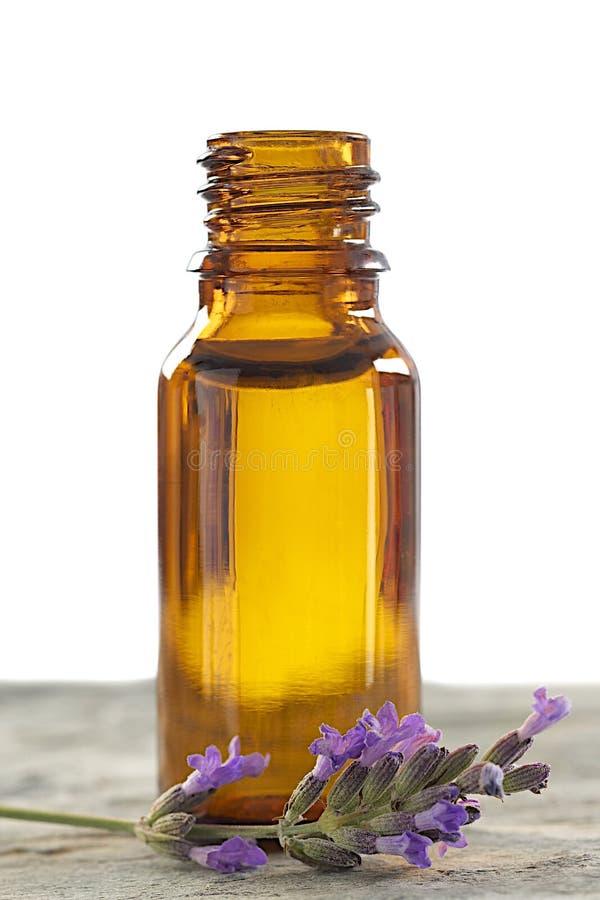 Flasche mit Lavendelwesentlichem stockbilder