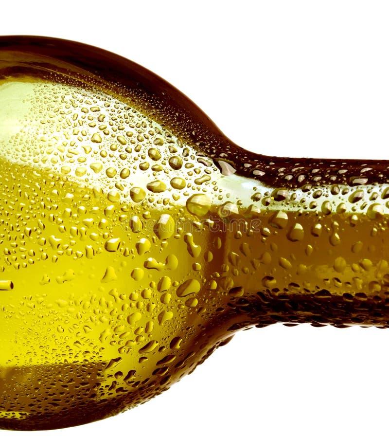 Download Flasche mit Wassertropfen stockbild. Bild von tröpfchen - 9096127