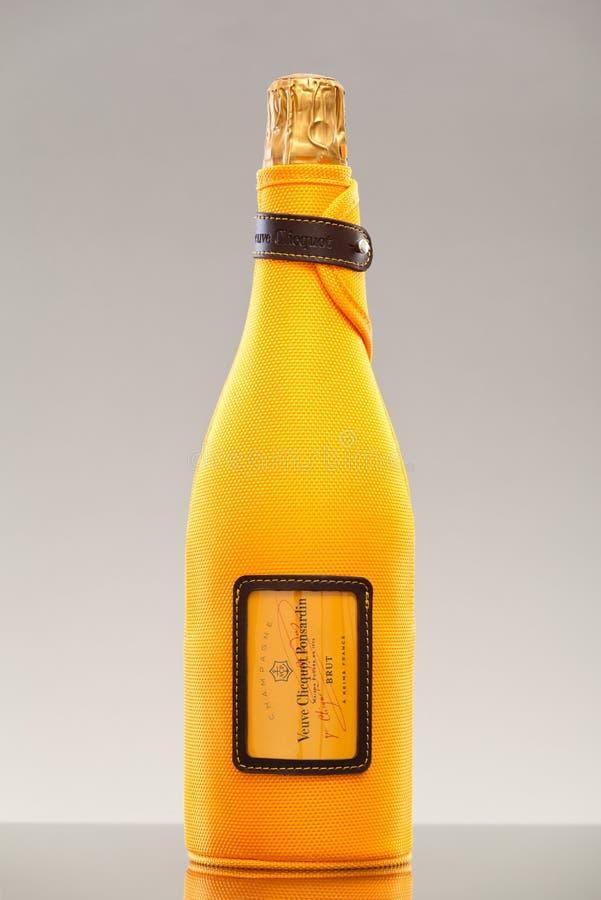Flasche von Veuve Clicquot Champagne lizenzfreie stockfotos