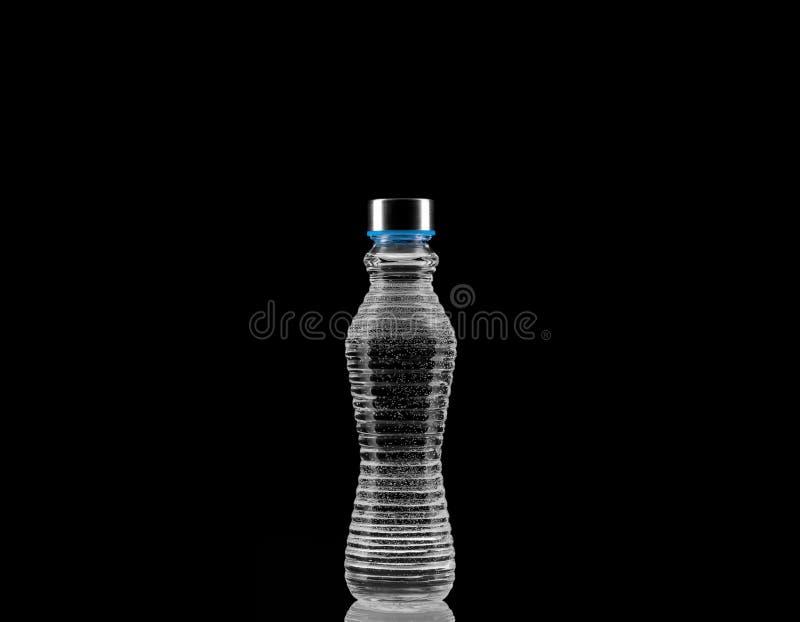 Flasche Wasser lizenzfreies stockfoto
